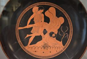 Drinking bowl, Theseus plunges Sciron into the sea, from Vulci (Italy), attributed to the painter Douris, around 480 BC, Altes Museum Berlin (13718490173)
