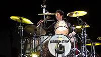 Billie Joe Armstrong en batería