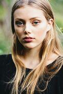 Grace Van Dien