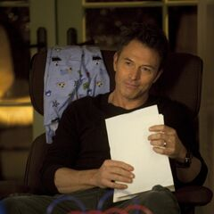 Tim Daly como Pete Wilder