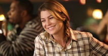 Meredith-grey-smiling-laughing-greys-anatomy-091018