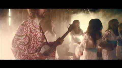 """""""Hold Yourself Up"""" - Polyphonic Spree"""