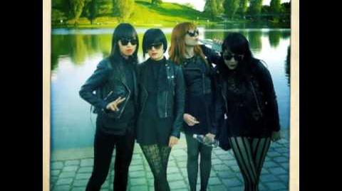 """Always Looking"" - Dum Dum Girls"