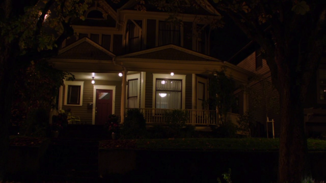 File:416-Nick and Juliette's home.png