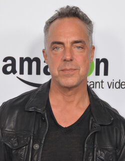 Titus Welliver 2015 (cropped)