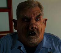 1x06-Bauerschwein - Officer Orson