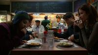 Gracie Hanson Nick Juliette dîner fast-food