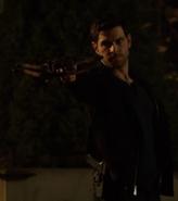 415-Nick fires Doppelarmbrust