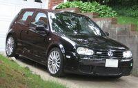 Volkswagen-Golf-R32
