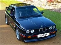 Black BMW M3 E30 fr