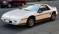 1985 Pontiac Fiero GT front left