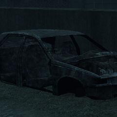 A wreck of an unknown '90s sedan inGTA IV.