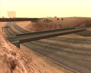 6. Мост над автострадой. Пустынный округ