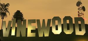 830px-Vinewood Sign