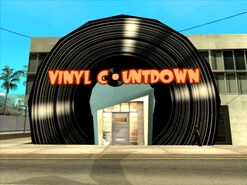 640px-VinylCountdown-GTASA-Market-exterior