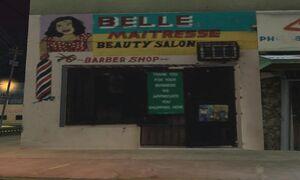 1000px-Belle-maitresse-salon