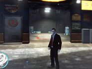 Niko egy Pay 'n' Spray bolt előtt Algonquinben