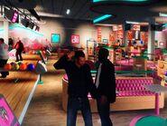 Niko és Dwayne bowlingozás után