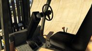 Forklift-GTAV-Inside