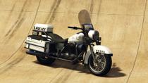 PoliceBike-GTAV-FrontQuarter