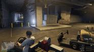 Bunker-GTAO-EntryLobbyCaddyParking