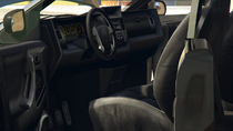 Minivan-GTAV-Inside
