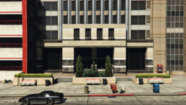 PeacefulStreetBuilding-GTAV-Entrance