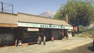 Discount Store-GTAV-Route 68