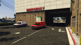 CentralLosSantosMedicalCenter-GTAV-Ambulances