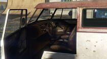 BeaterSurfer-GTAV-Interior