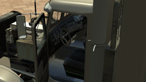 FlatbedContainer-GTAIV-Inside