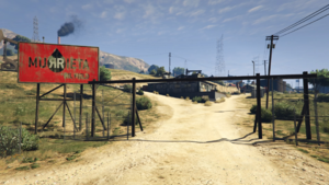 MurrietaOilField-Entrance-GTAV