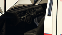Ambulance-GTAV-Inside