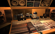 VRockRecordingStudio-GTAVC-Interior-RecordingRoom
