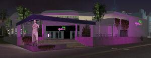 MalibuClub-GTAVC-nighttime-exterior