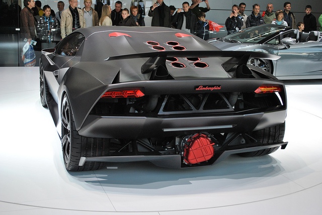Incroyable Lamborghini Sesto Elemento Back View