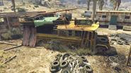 Stab City-GTAV-Schoolbus Wreck