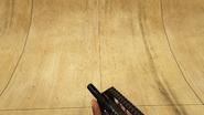 AssaultSMG-GTAV-Holding