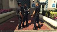 RockfordHillsPoliceStation-GTAV-Officers