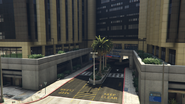 MountZonahMedicalCenter-GTAV-NorthEntrance