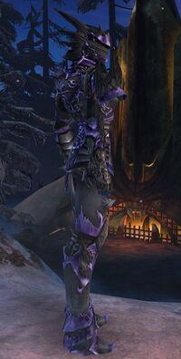 Armure primitive-Guerrier-Femme-de profil