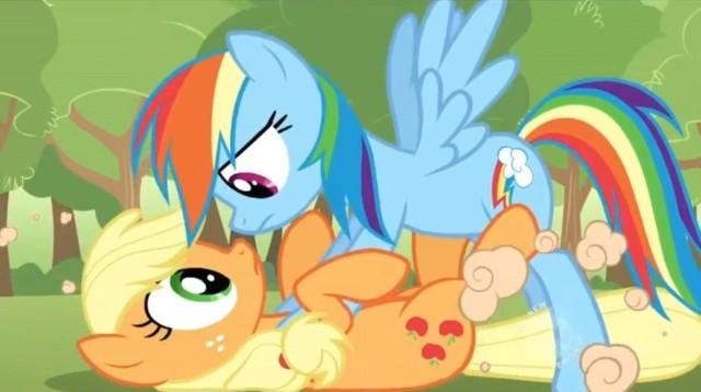 File:640px-Rainbow Dash Applejack.jpg