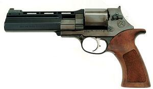 Revolver2-1-