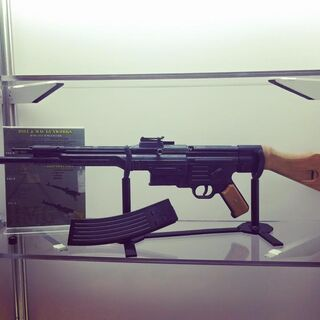 Hill and MacGunworks version of the StG 44, displayed at SHOT Show 2016.