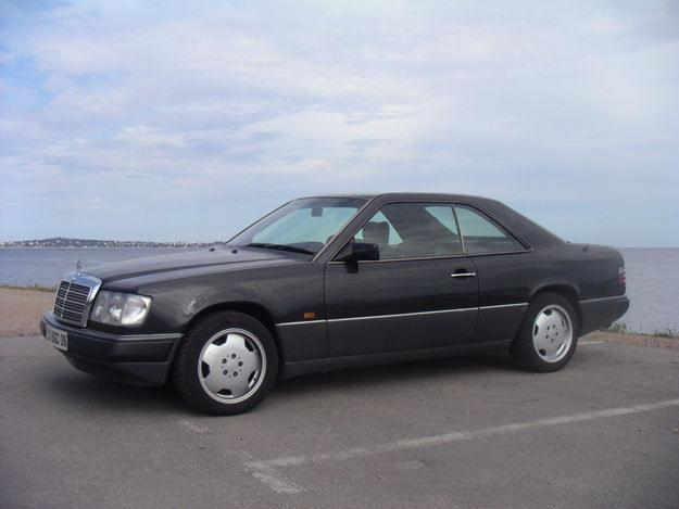 File:Mercedes-Benz 300CE-24.jpg