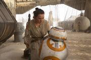 BB-8 i Rey na Jakku