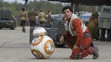 BB-8-Poe-Dameron-Comic-Star-Wars-Girlfriend