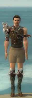 Ranger Elite Studded Leather Armor M gray chest feet front