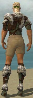Ranger Elite Fur-Lined Armor M gray chest feet back