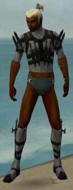 Assassin Obsidian Armor M gray chest feet front